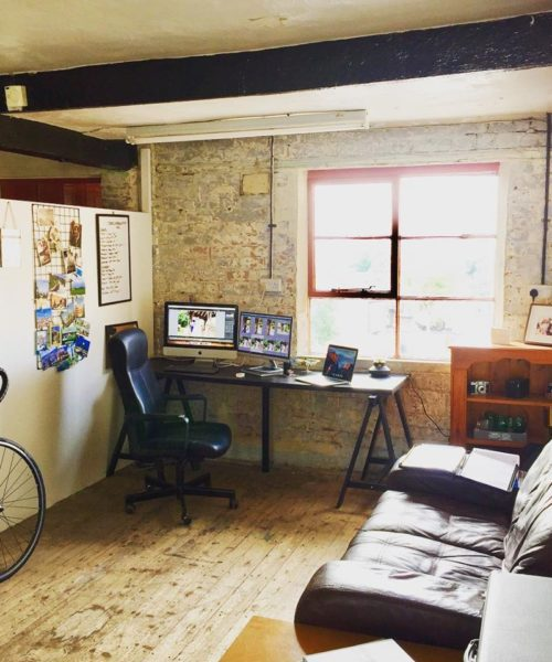 https://www.oldknowsfactory.co.uk/wp-content/uploads/2019/12/one-person-office-space-in-Nottingham-500x600.jpg